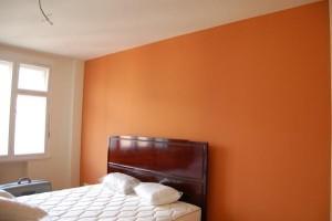Malování pokojů alakování nábytku ve 3+1 v Praze 01